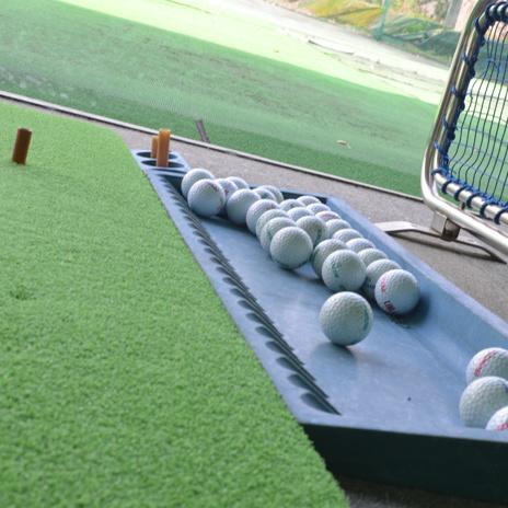 ゴルフ練習場 9/2(土) ウレタンカバー2ピースボールのニューボールを投入しました。